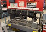 Outils de fabrication de tôles d'AMADA 1