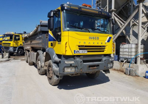Important online auction of mixer trucks and loaders in Poland