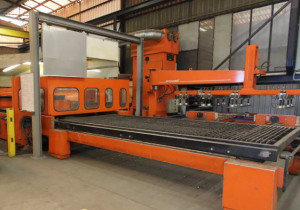 Various Metalworking Machines in Online Auction