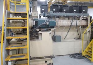 Équipement d'extrusion de plastique, de thermoformage, d'emballage et de support d'usine