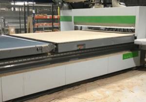 Gamme d'usines à bois CNC et conventionnelles