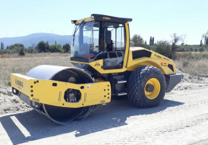 Used Bomag BW 213 D-5 Soil Compactor / Single Drum Roller