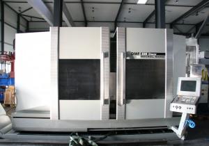 DECKEL MAHO DMF 220 linear Vertical Machining Center