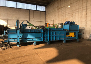 Paper and cardboard baling press / baler Ital-Cos Officine Meccaniche Srl LOGIC-30