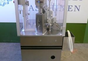 Harro Höfliger KFM III-C fully automatic capsule filler