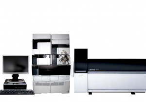Shimadzu LCMS-8040 Triple Quadrupole LC/MS/MS System (8045, 8050, 8060)
