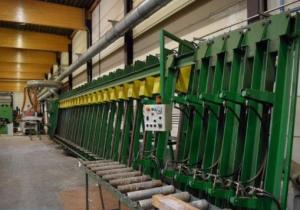 D`HOOGHE--vertical edge joint gluing press