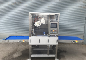 Newtech Ultrasonic slicing machine