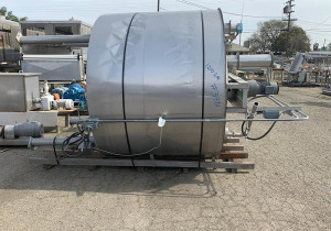 1,200 Gallon Vertical Stainless Steel Insulated MixTank