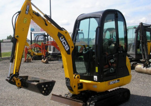 2013 JCB 8018  - Excellent condition - fully service