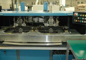 Universal 6295 Axial Insertion Machine