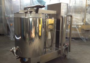 TECNICOLL    MOD. F100 - JACKETED MIXING TANK