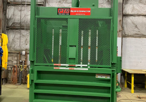 Philadelphia Tramrail Model 2300 Hd Vertical Baler