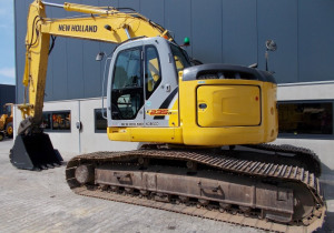 New Holland – Kobelco E235Bsr-2