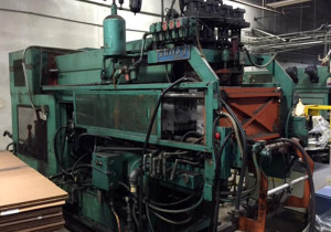Uniloy 5710 4 Head Reciprocating, Extrusion Blow Molding Machine