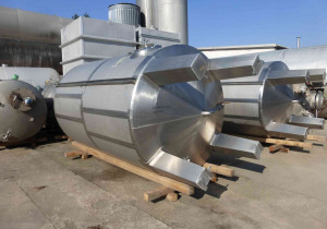 10.000 Liter Storage tanks/ stainless steel tanks without pressure