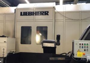 Gear Hobbing Machine - LIEBHERR LC 1202