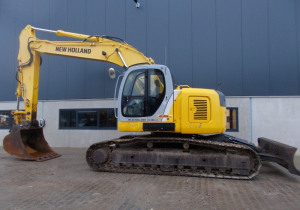 New Holland Kobelco E235Sr