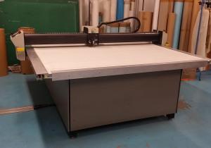 Gerber DCS1500 Automated cutting machine