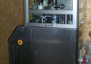 Kilian T300-32 Rotary tablet press