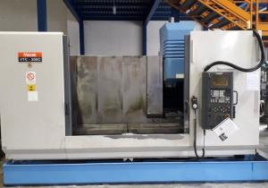 Used Mazak Vtc 200 C Machining center - vertical