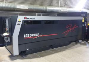 Laser à fibre Amada Lcg 3015 Aj, 2 Kw, 2014 Année
