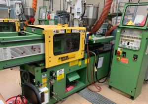 Used 35 Ton Arburg 270-90-350 Injection Molding Machine
