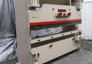 Presse-plieuse hydraulique Cincinnati 90 tonnes x 10 pi: