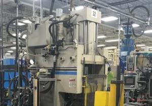 Machine de moulage par injection verticale Cincinnati Ch 150-R d'occasion de 150 tonnes