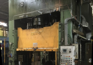 Used 283/5000 Double uprights mechanical press Two connecting rods Spiertz F2-2.7x1.5