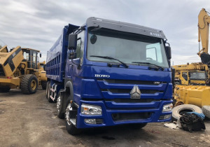 """Used Dumper Truck, Chinese brand """"Howo"""" 8*4 Tipper Truck 375 HP for Sale"""