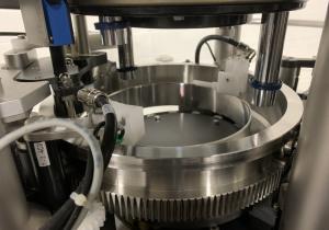 Machine de remplissage de capsules à mouvement continu unique MG2 Planeta 100