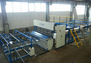 Welding machine for the production of reinforcing mesh, fences, gabions