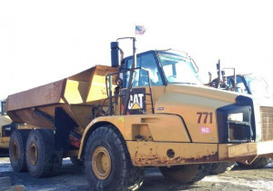 2013 Cat 740B 6X6 Articulated Dump Truck