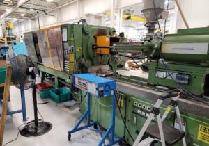Engel 400-Ton Plastic Injection Molding Machine 1997