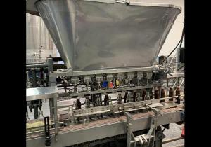 Ligne de remplissage à 8 têtes Colton pour bouteilles rondes de 16 oz - 90-110/min