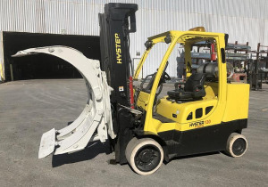 12,000 Pound Hyster Model S120Ftprs Roll Clamp Truck Mfg. 2012