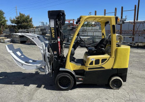 """10,000 Pound Hyster Model S100Ftbcs Forklift With 64"""" Diameter Cascade Clamp"""