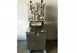 Dott Bonapace IN-CAP Capsule Filling Machine