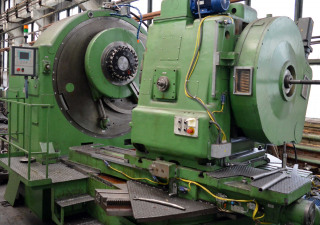 Spiral bevel gear milling machine 5A284