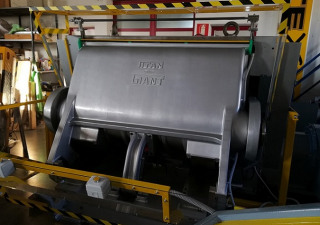 TITAN ERBA GIANT // HAND FED PLATEN DIE CUTTING MACHINE