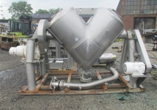 Patterson-Kelley 40 Cft Twin Shell Blender.
