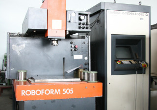 CHARMILLES TECHNOLOGIES ROBOFORM 505 Cavity Sinking EDM - Machine