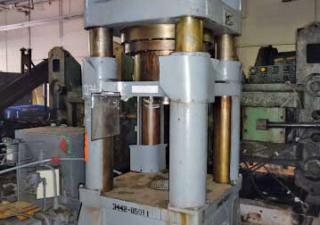 400 Ton Verson 4-Post Down-Acting Hydraulic Press