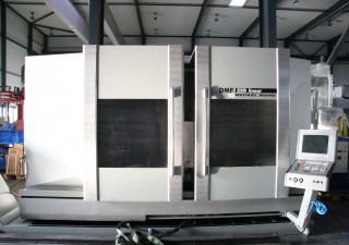 DECKEL MAHO DMF 220 linear Vertical Machining Center