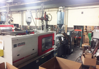 Milacron Magna Toggle Mts 225 Injection moulding machine