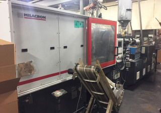 Milacron Servo Mts 310 Injection moulding machine