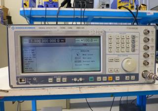 Rohde & Schwarz SMIQ03B Signal Generator
