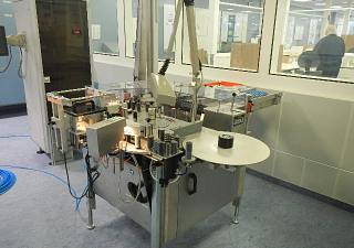 Bausch & Stroebel Vial & Ampoule Labeller