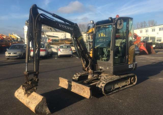 Mini Diggers VOLVO EC27C used